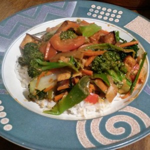 Veggie stri fry with curry peanut sauce